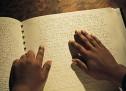 """Studim i ri shkencor ndihmon të verbërit """"të lexojnë"""" Braille!"""