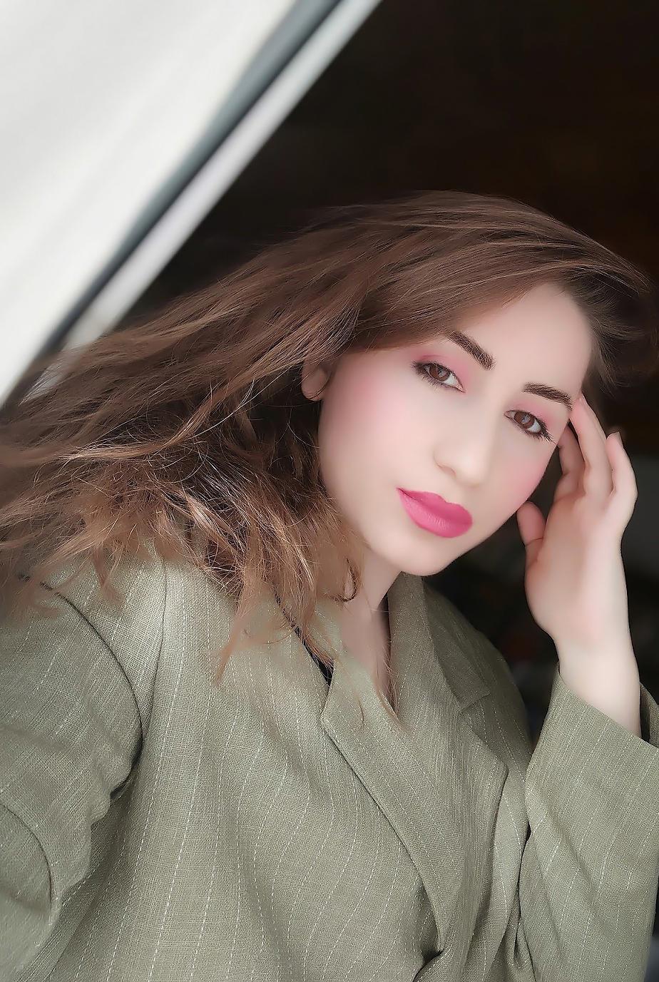 lorena-stroka-foto-biografia-mosha-height-wikipedia-facebook-instagram-bashkeshorti-gazetare-books-albstroka-keshilla