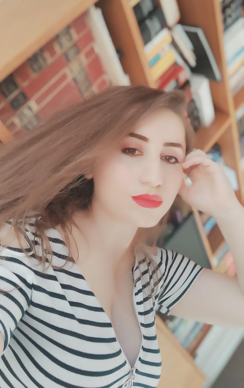 lorena-stroka-foto-biografia-wikipedia-libra-instagram-facebook-bashkeshorti-gazetare-pinterest-albstroka-kontakt-blog-kush-eshte-keshilla