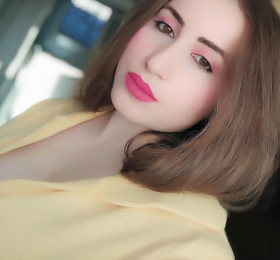 lorena-stroka-foto-instagram-biografia-height-kontakt-gazetare-books-keshilla-kush-eshte-albstroka-2020