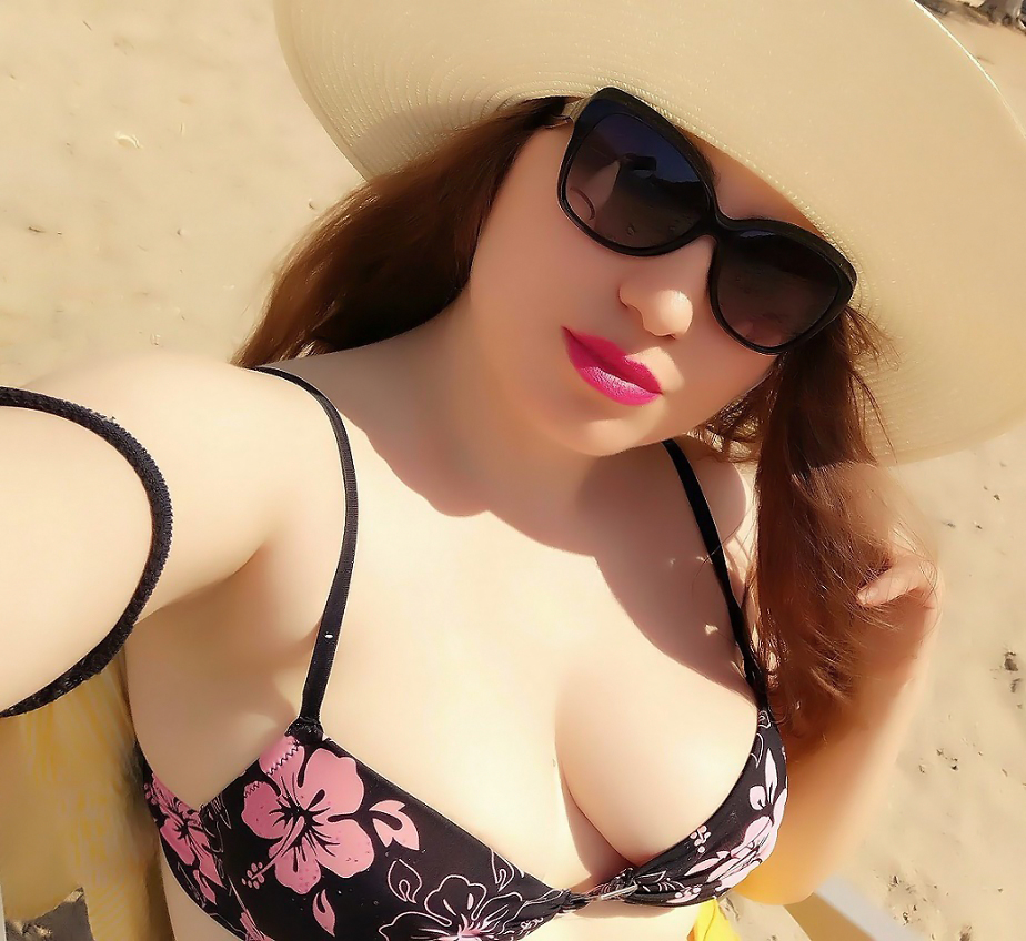 lorena-stroka-kontakt-bashkeshorti-linkedin--wikipedia--instagram-facebook-bikini--books-mosha-gjatesia-height-albstroka-blog