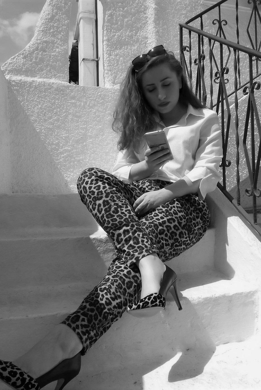 lorena-stroka-street-style-biografia-foto-wikipedia-facebook-instagram-kontakt-bashkeshorti-books-gazetare-2020-albstroka