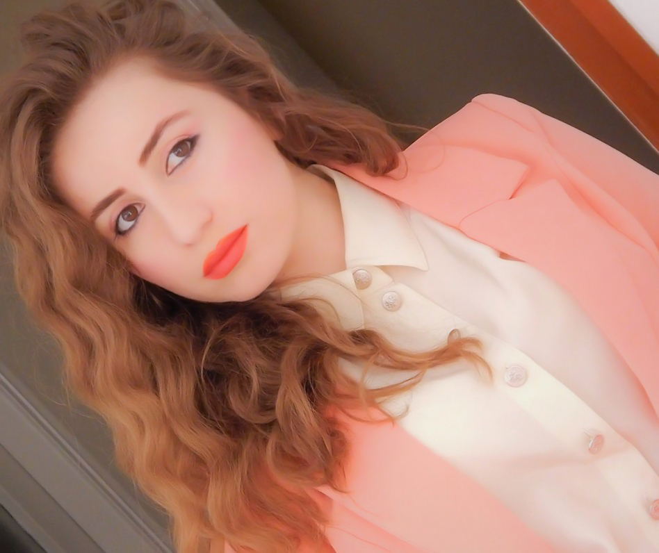 lorena_stroka_foto_albstroka_biografia_facebook